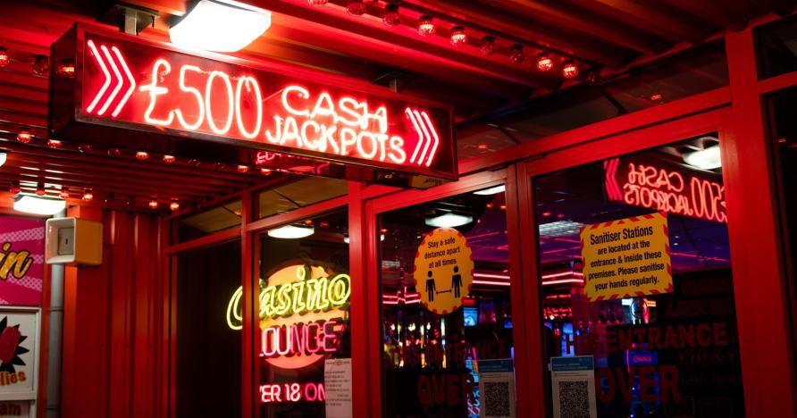 Lielākā daļa atkarību izraisošo kazino spēļu, kuras var spēlēt bez maksas
