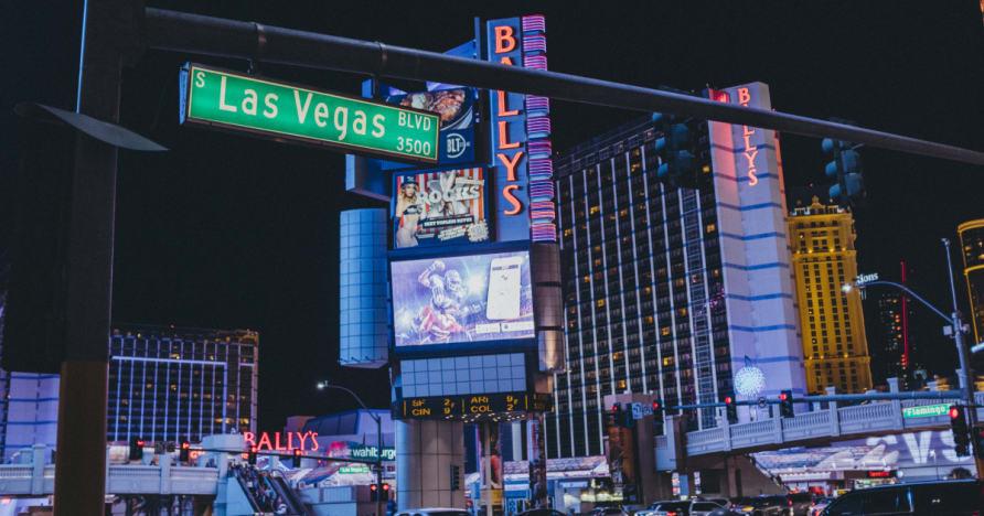 Kas padara sauszemes kazino liels?