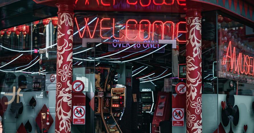Plaukstoša spēle: tiešsaistes kazino spēļu nodrošinātājs ar klasi