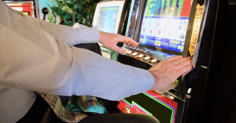 Kā spēlēt video pokeru: Pilns ceļvedis iesācējiem